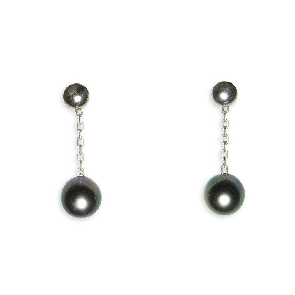 Pearl and silver pendent earrings