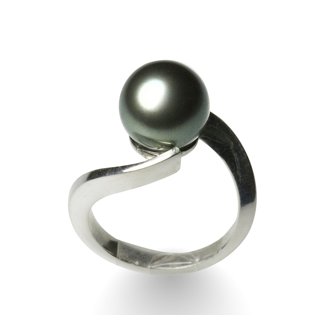Pearl and silver curved crossover ring