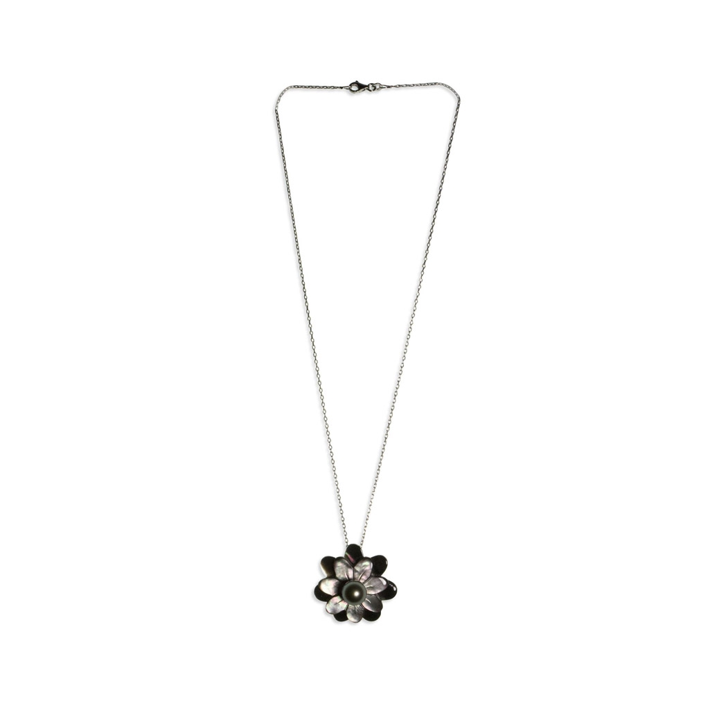 Pearl and mother-of-pearl flower head pendant